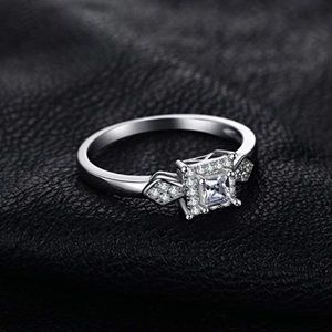 Exquisite 0.36ct CZ Ring - 925 Sterling Silver